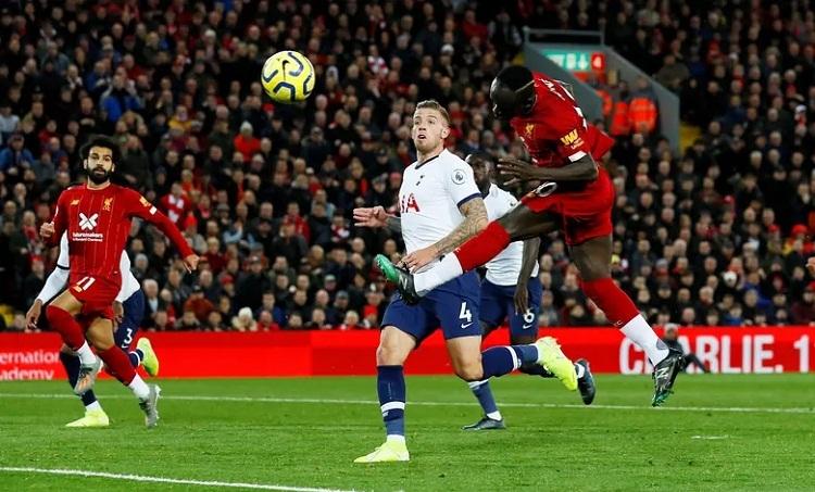 Bỏ lỡ nhiều cơ hội nhưng Liverpool vẫn ghi được hai bàn nhờ nỗ lực không ngừng nghỉ. Ảnh: Reuters.
