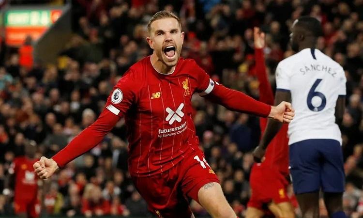 Henderson giải tỏa tâm lý cho đồng độikhi ghi bàn gỡ hòa 1-1. Ảnh: Reuters.