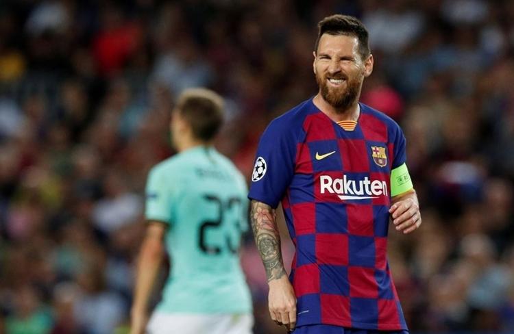 Messi vừa giành giải The Best và đang cạnh tranh Quả Bóng Vàng cùng Ronaldo, Van Dijk. Ảnh: Reuters.