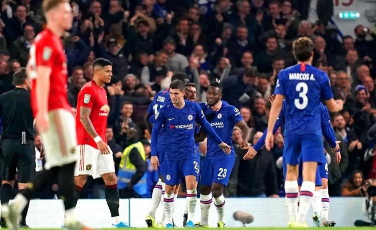 Bàn thắng đẹp của Batshuayi không đủ để giúp Chelsea tránh khỏi thất bại. Ảnh: PA.