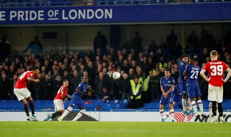 Pha sút phạt thành bàn ở cự ly 32 met của Rashford mang về chiến thắng cho Man Utd. Ảnh: Reuters.