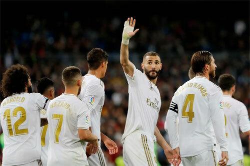 Benzema có một bàn và hai đường chuyền dọn cỗ. Ảnh: Reuters