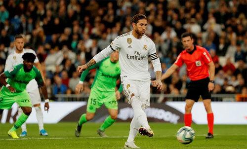 Ramos không mắc sai lầm với lần sút thứ hai.
