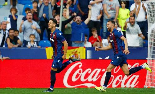 Levante liên tục mang đến niềm vui bất ngờ cho khán giả nhà. Ảnh: Reuters