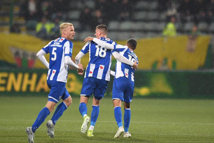 Heerenveen bất bại trận thứ 8 liên tiếp.