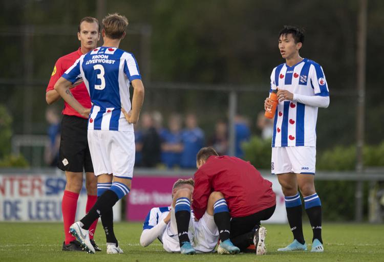 Đoàn Văn Hậu lần đầu tiên phải nhận thất bại kể từ khi sang đá cho Heerenveen.