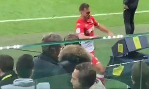 Cầu thủ Monaco sút tung máy VAR sau khi bị thẻ đỏ