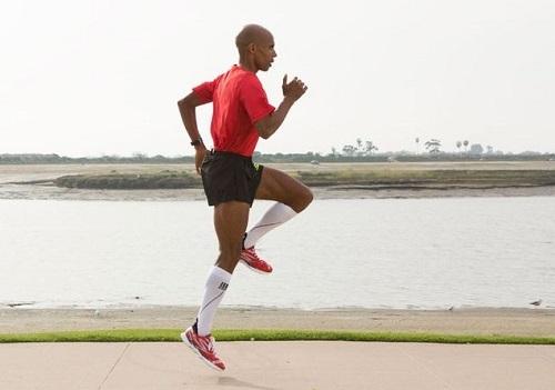 Tập luyện từ 16-20 tuần trước giải chạy marathon. Ảnh: Runners World.