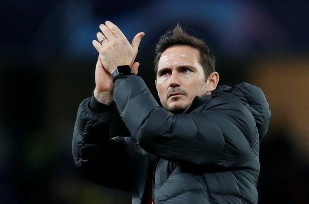 Lampard hoan hỉ sau khi giữ lại một điểm ở Stamford Bridge. Ảnh: Reuters.