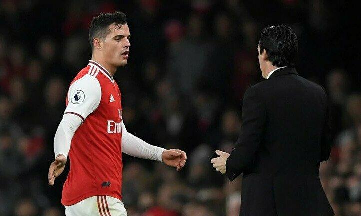 Xhaka mới được bầu làm đội trưởng Arsenal hôm 28/9, nhưng đã bị tước chức vụ. Ảnh: Reuters.