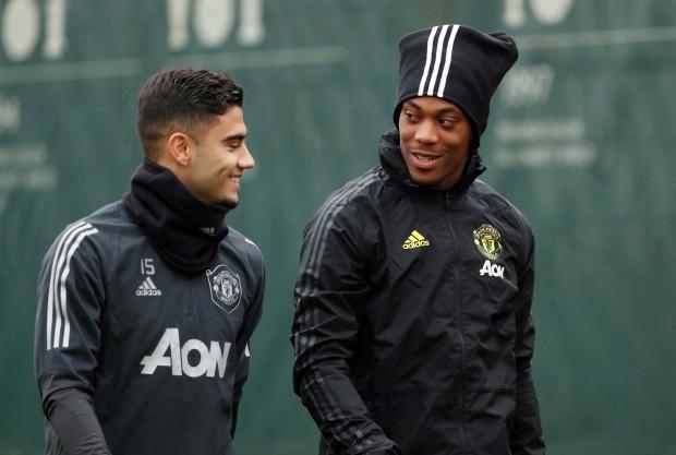 Martial (phải) bị chấn thương hành hạ từ đầu mùa. Ảnh: Reuters.