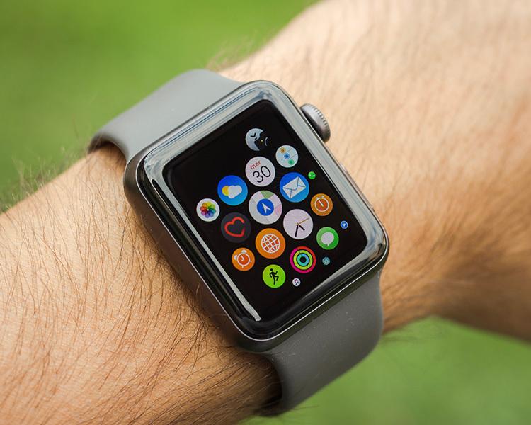 Các loại đồng hồ hiện nay tích hợp nhiều tính năng, hỗ trợ bạn tập luyện tốt hơn. Ảnh: Unsplash.
