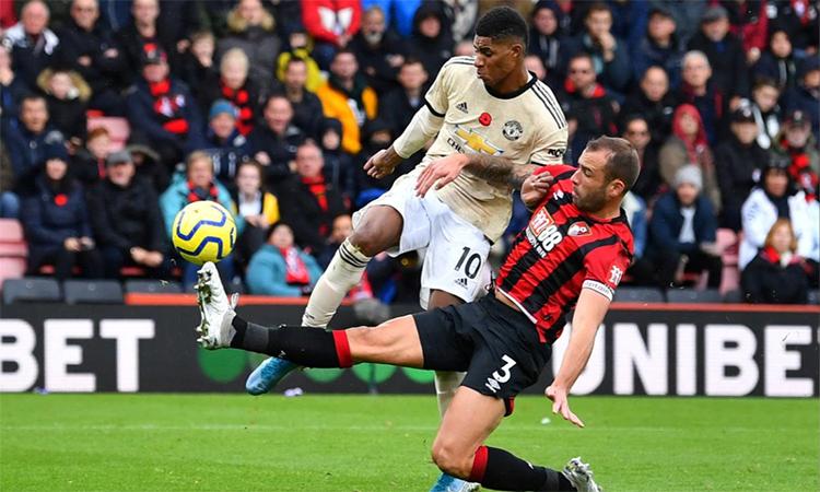 Scholes lo lắng với chất lượng hàng công Man Utd. Ảnh: Reuters.