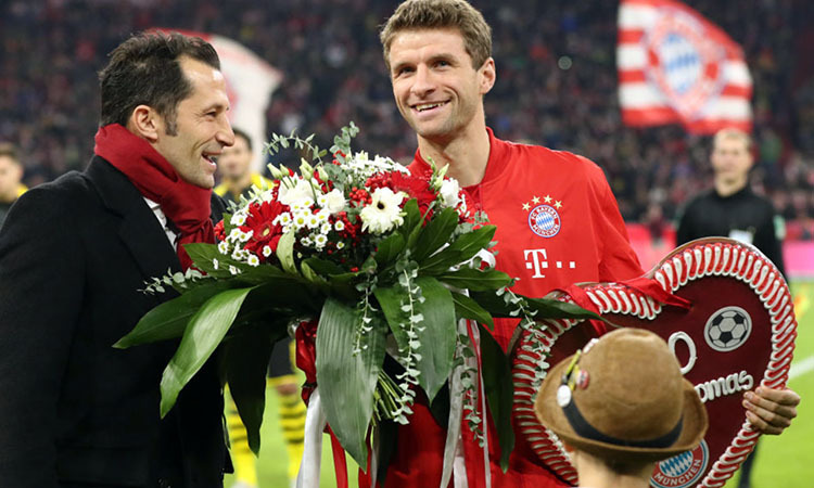 Nụ cười của Muller trước trận cũng là niềm vui của người Bayern sau khi chia tay HLV Kovac. Ảnh: FC Bayern.