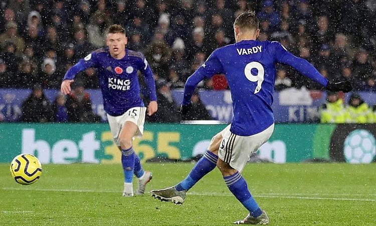 Vardy đã ghi 20 bàn trong 22 trận gần nhất. Ảnh: Reuters.