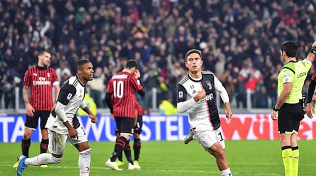 Dybala mừng bàn thắng duy nhất của trận đấu. Ảnh: EPA.
