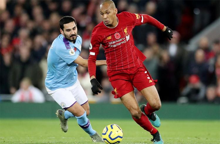 Fabinho và đồng đội giúp Liverpool kiểm soát trận đấu trước hàng tiền vệ giàu kỹ thuật của Man City. Ảnh: Reuters.