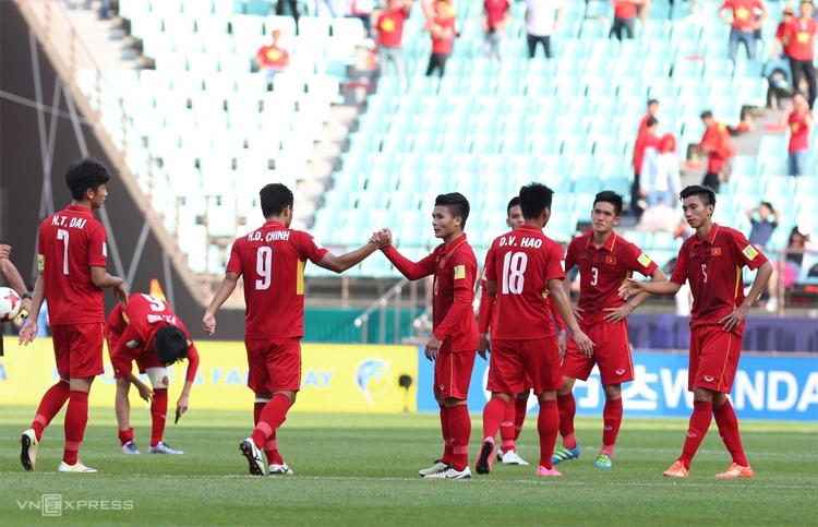 U20 Việt Nam từng thất bại nặng nề ở World Cup trẻ, nhưng vẫn luôn mang lại niềm vui cho người hâm mộ bằng lối chơi cống hiến. Ảnh: Đức Đồng.