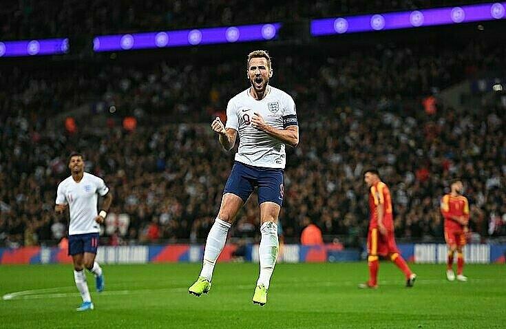 Kane mừng hattrick thứ hai liên tiếp cho tuyển Anh. Ảnh: Sports Mail.