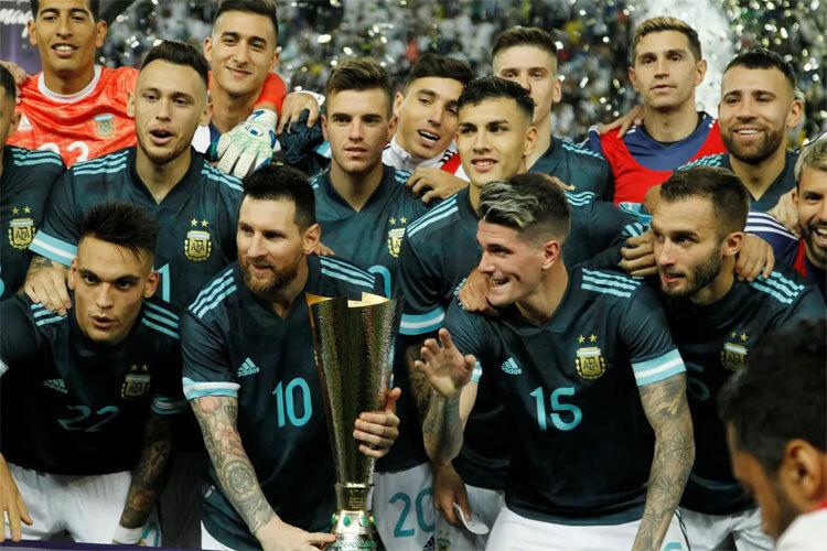 Argentina giành Cup giao hữu cho trận siêu kinh điển Nam Mỹ.