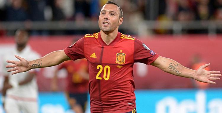 Sự trở lại của Cazorla được báo giới Tây Ban Nha xem là phi thường. Ảnh: AFP.