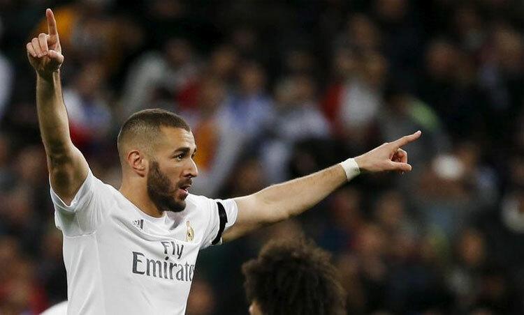 Benzema bịcấm lên tuyển. Ảnh: Reuters