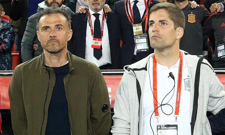 Enrique (trái) và Moreno khi còn làm việc chung. Ảnh: AS