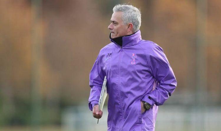 Mourinho nhận việc tại Tottenham từ hôm qua 20/11. Ảnh: AP.