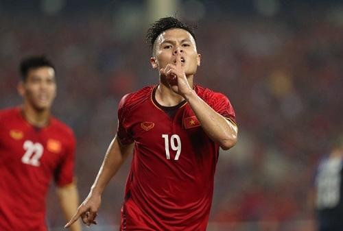Quang Hải trong vai trò nhạc trưởng của U22 Việt Nam tại SEA Games.
