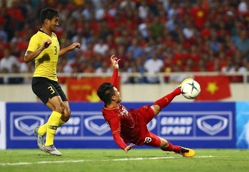Quang Hải với ý chí thi đấu mạnh mẽ mang nguồn cảm hứng tinh thần đến cho toàn đội.