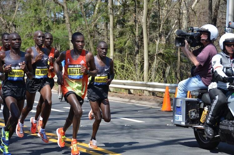 Boston Marathon thường quy tụ nhiều chân chạy nổi tiếng. Ảnh: Medium.