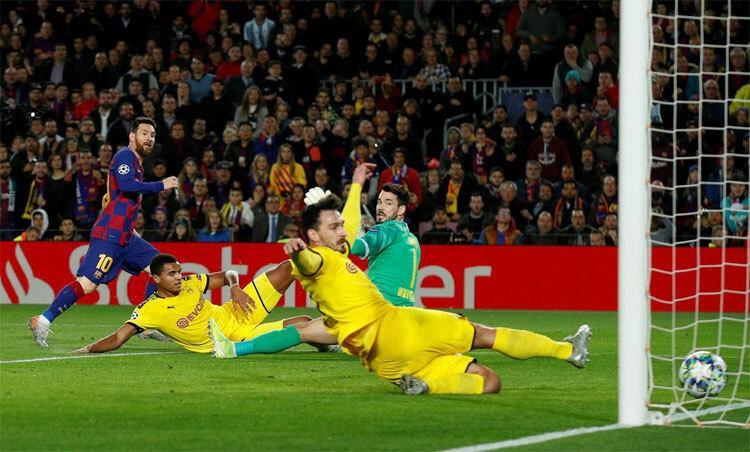 Messi khiến Dortmund trả giá vì hoang phí cơ hội. Ảnh: Reuters