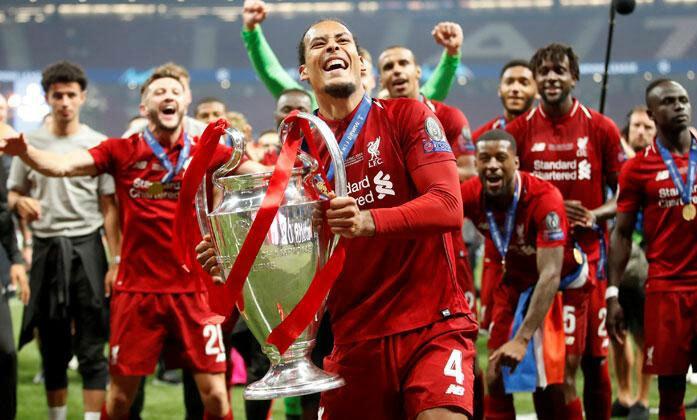 Van Dijk có lợi thế nhờ giành Champions League. Ảnh: Reuters