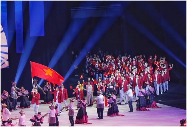 Đoàn vận động viên Việt Nam tại lễ khai mạc SEA Games 2019 tổ chức tại sân vận động Philippine Arena tối 30/11.
