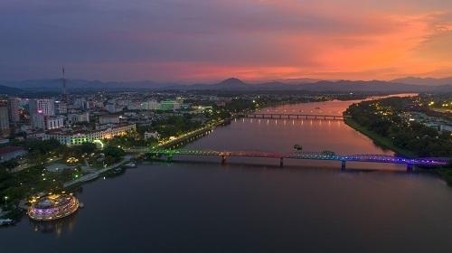 Cầu Trường, một trong những địa điểm các vận động viên VnExpress Marathon Huế 2020 sẽ chạy qua. Ảnh: Trung Thành