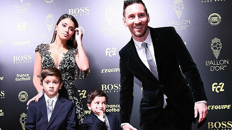 Gia đình Messi trong lễ trao giải Quả Bóng Vàng.