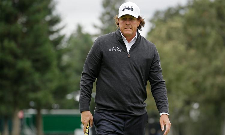 Lần đầu tiên sau 27 năm, Mickelson sẽ không dự Waste Management Phoenix Open, khi sự kiện PGA Tour này diễn ra đầu năm tới. Ảnh: AP.