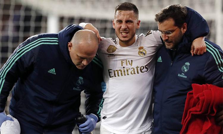 Hazard sẽ không thể cùng Real làm khách trên sân Nou Camp của Barca. Ảnh: AS