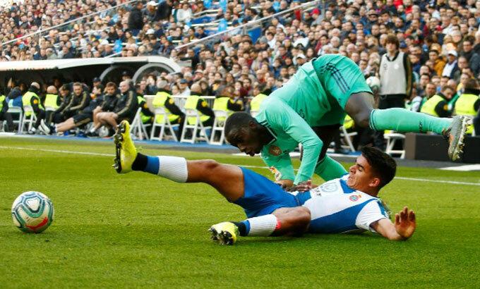 Sự kiên cường của đội khách gây lo lắng cho CĐV sân Bernabeu.