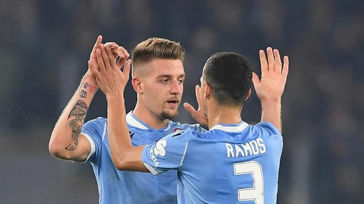 Lazio không bỏ lỡ cơ hội chiến thắng trong thế hơn người.