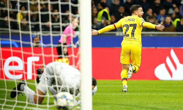 Barca khiến Inter ôm hận ngay trên sân nhà. Ảnh: Reuters