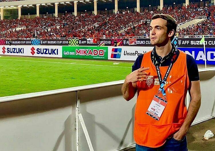 Brian Wright Vias có mặt trên sân Mỹ Đình, khi đội tuyển Việt Nam thi đấu ở AFF Cup 2018. Ảnh: NVCC.