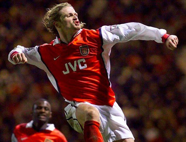 Petit là ngôi sao của Arsenal lập cú đúp vô địch Ngoại hạng Anh - đoạt Cup FA ở mùa 1997-1998.