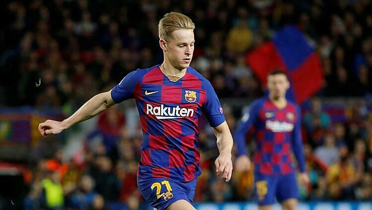 De Jong là tiền vệ ít bị xoay vòng nhất của Barca từ đầu mùa. Ảnh: Mundo.