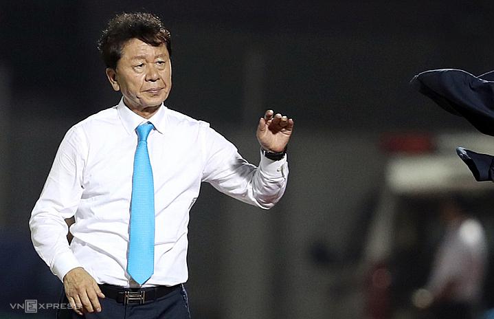 HLV Chung Hae-soung muốn xây dựng CLB TP HCM trở thành một thể lực ở V-League. Ảnh: Đức Đồng.