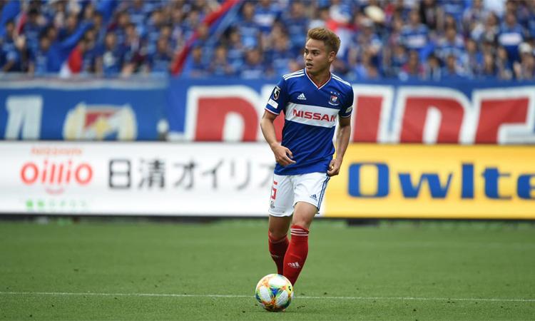Theerathon là trụ cột của Yokohama Marinos vô địch J-League 2019. Ảnh: Fox Sports.