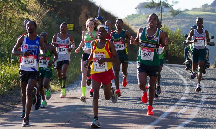 Herron thích cảm giác chạy đua và chiến thắng các VĐV nam. Ảnh: Camille Herron.