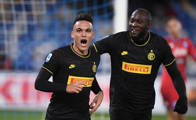 Lautaro - Lukaku đang chơi rất ăn ý, giúp Inter thăng hoa. Ảnh: Reuters.