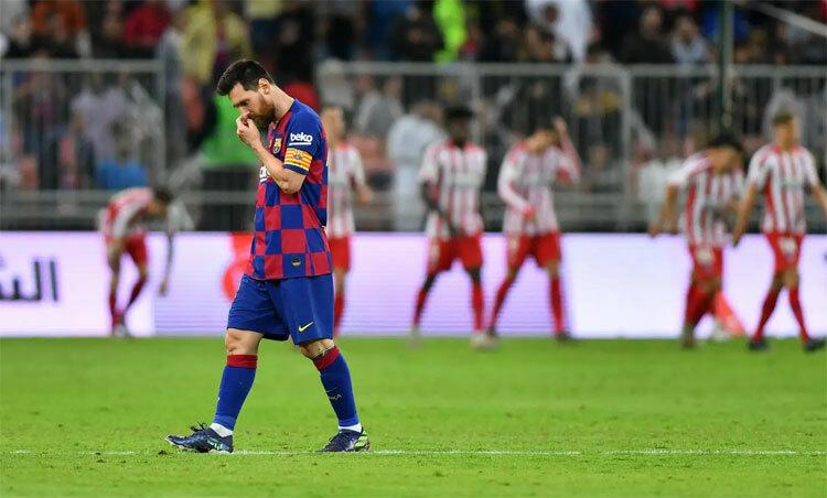 Messi ghi một bàn, nhưng không thể cùng Barca vào chung kết. Ảnh: Reuters