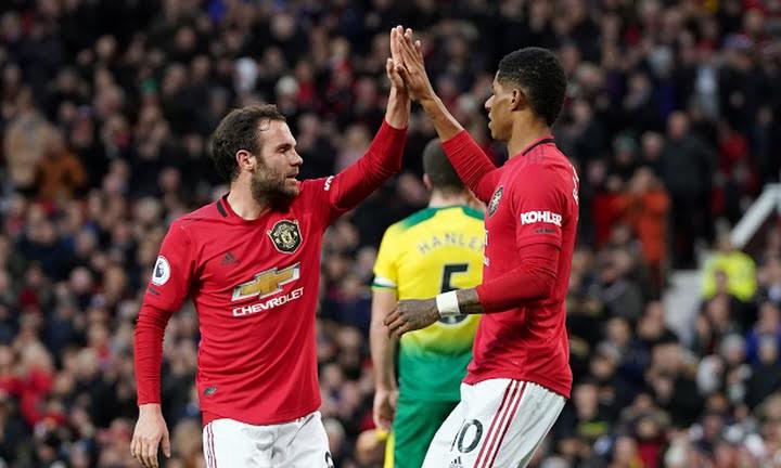Khoảng cách doanh thu giữa Man Utd và phần còn lại của nước Anh đang bị thu hẹp. Ảnh: Reuters.